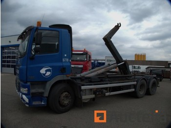 Container transporter/ swap body truck DAF 85.38: picture 1