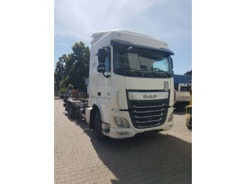 Container transporter/ swap body truck DAF XF105 410
