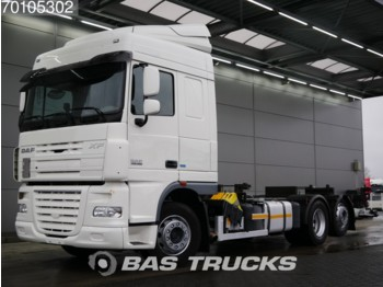 Container transporter/ swap body truck DAF XF105.460 6X2 Liftachse Standklima Laadklep Euro 5