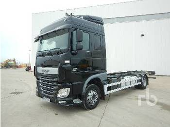 Container transporter/ swap body truck DAF XF106