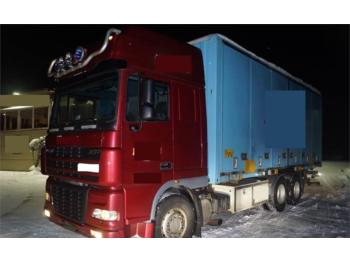 Container transporter/ swap body truck DAF XF95: picture 1