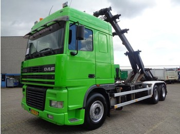 DAF XF95 430 + CHAIN SYSTEM + MANUAL + 6X2 + 10 TIRES - container transporter/ swap body truck