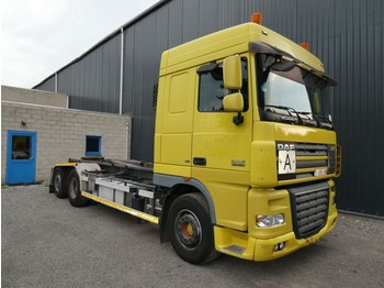 DAF XF 105 460 SPACECAB 6x2 - container transporter/ swap body truck