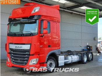 Container transporter/ swap body truck DAF XF 440 6X2 SSC Intarder Standklima Liftachse ACC Euro 6