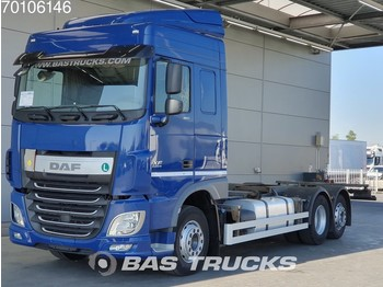 Container transporter/ swap body truck DAF XF 460 6X2 Intarder Liftachse Euro 6 ACC