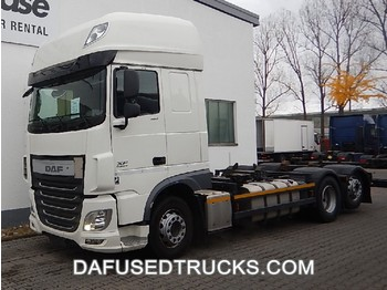 Container transporter/ swap body truck DAF XF 460 FAR: picture 1