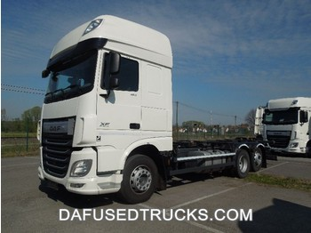 Container transporter/ swap body truck DAF XF 460 FAR