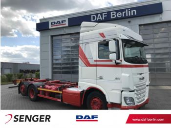Container transporter/ swap body truck DAF XF 460 FAR Space Cab, Langendorf BDF Wechselsyst