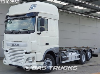 Container transporter/ swap body truck DAF XF 460 SSC 6X2 Intarder Liftachse Euro 6: picture 1