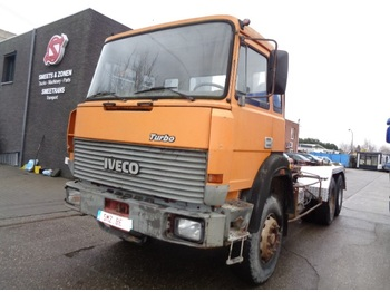 Container transporter/ swap body truck Iveco 330.36