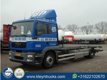 Container transporter/ swap body truck MAN 18.250 TGM ll manual airco