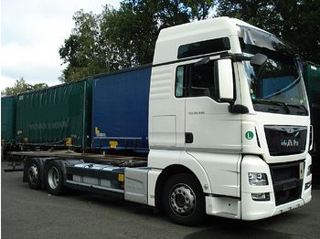 Container transporter/ swap body truck MAN - 26.440 Euro 6, Liftachse, Hubrahmen