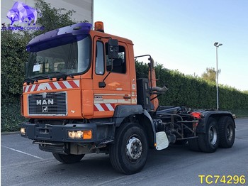 MAN F 2000 27.293 Euro 3 - container transporter/ swap body truck