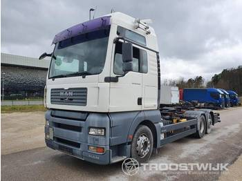 MAN TGA 26.440 6x2 XXL - container transporter/ swap body truck
