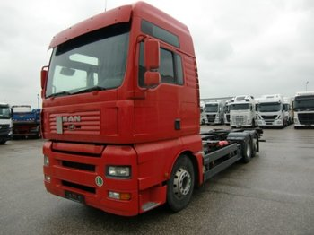 Container transporter/ swap body truck MAN TGA 26.480 BDF, Automatik