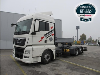 Container transporter/ swap body truck MAN TGX 26.400 6X2-2 LL