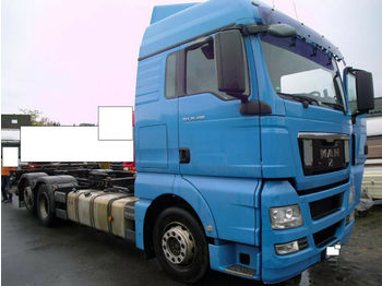 Container transporter/ swap body truck MAN TGX 26.400 BDF + Ladebord 2000 KG + EURO 5