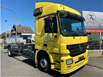 Container transporter/ swap body truck Mercedes-Benz 1832 L Actros BDF Fahrschule 300Tm !44/46/2541)