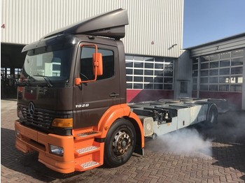 Container transporter/ swap body truck Mercedes-Benz 1928L EURO 2