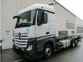 Container transporter/ swap body truck Mercedes-Benz Actros 2542L Stream LBW Euro6