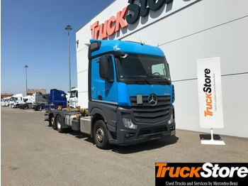 Container transporter/ swap body truck Mercedes-Benz Actros ACTROS 2542 L: picture 1