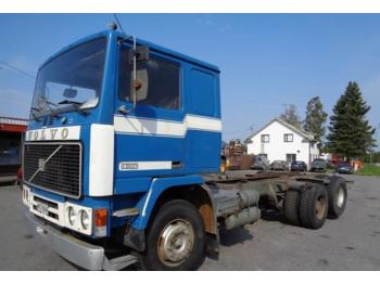 Volvo F10  - container transporter/ swap body truck
