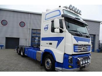 Container transporter/ swap body truck Volvo FH16-750 / GLOBETROTTER XL / AUTOMATIC / EURO-5 /