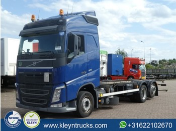 Container transporter/ swap body truck Volvo FH 420 globetrotter 6x2