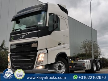 Volvo FH 500 wb 480 cm 1100l tank - container transporter/ swap body truck