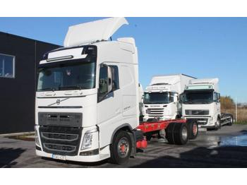 Volvo FH 6X2  - container transporter/ swap body truck