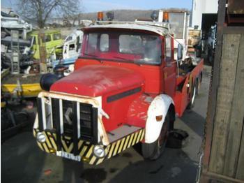 Crane truck Berliet GLM