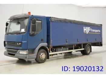 Curtainsider truck DAF LF45.160: picture 1