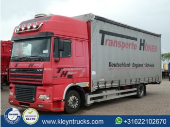 Curtainsider truck DAF XF 95.430 superspacecab 4x2