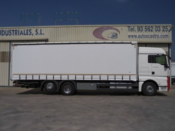 MAN TGX 26.360 - curtainsider truck