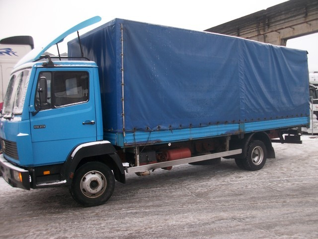mercedes benz 809 curtainsider truck from germany for sale at truck1 rh truck1 eu 2014 Mercedes Manual 1994 Mercedes E320 Manual