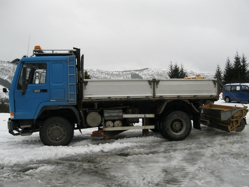 volvo fl 10 4x4 dropside truck from norway for sale at truck1 id 931879. Black Bedroom Furniture Sets. Home Design Ideas