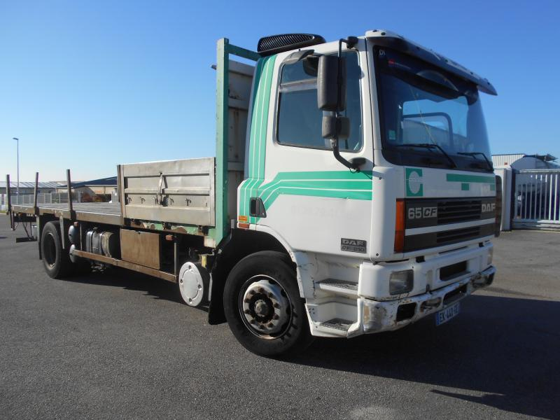flatbed truck DAF CF65 210