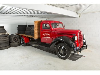 Ford MODEL 7 FLAT BED TRUCK - flatbed truck