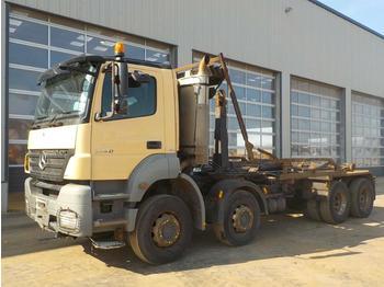 Hook lift truck  2010 Mercedes Axor 3240