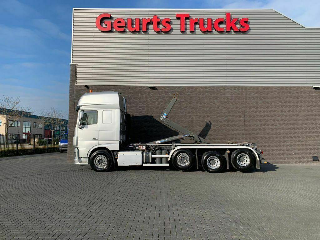 hook lift truck DAF XF 106.460 8X2 TRIPLE SUPER SPACE CAB + VDL HAAK