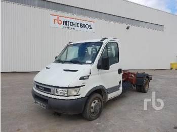 Hook lift truck IVECO 35C13 4x2 Camion Ampliroll