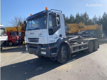 Hook lift truck IVECO TRAKKER 440 / HYVA