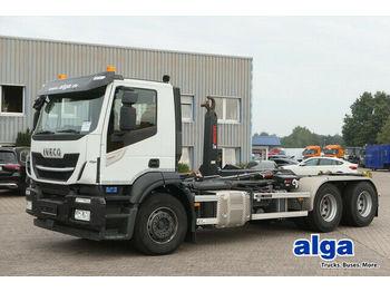 Hook lift truck Iveco AD260SY/PT, Motorschaden, Loch, Hiab XR21S63
