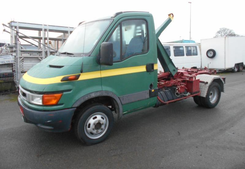 hook lift truck Iveco Daily 35C11