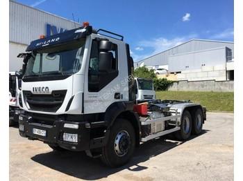 Hook lift truck Iveco Iveco Trakker AD 260 T 45 P