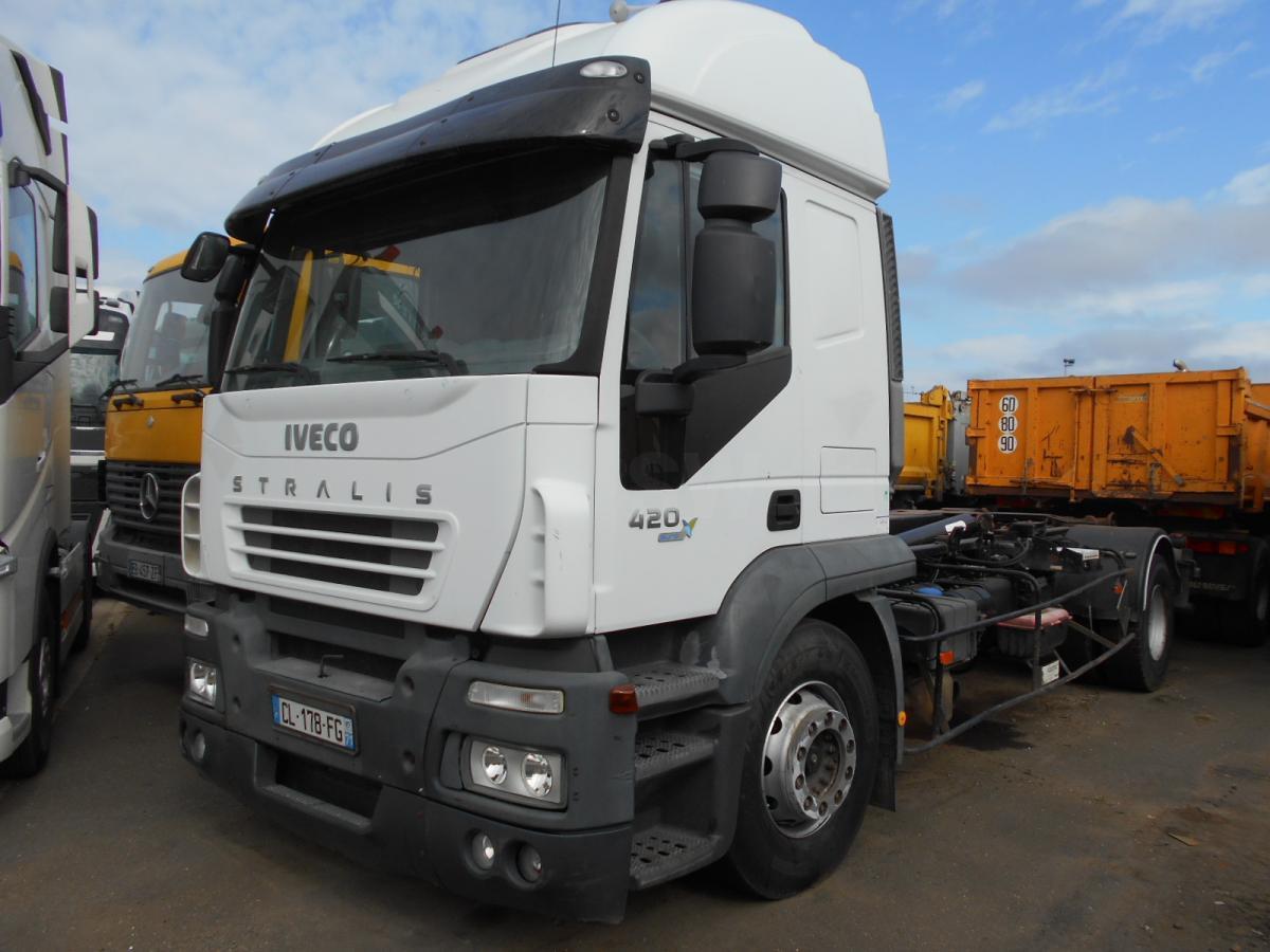 hook lift truck Iveco Stralis 420