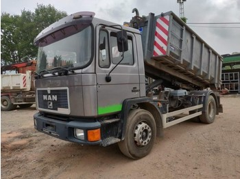 MAN 18.232 container - hook lift truck