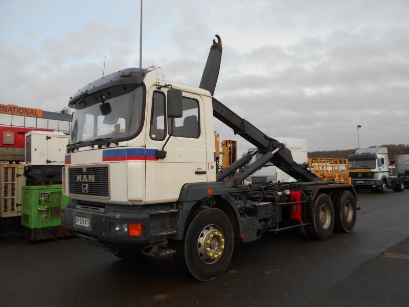 hook lift truck MAN 33.343