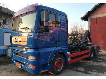 Hook lift truck MAN TGA26.440
