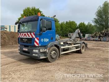 Hook lift truck MAN TGM 18.290